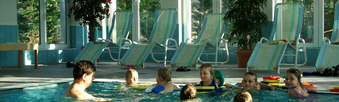 Kinderschwimmen im Gasthof Zahn